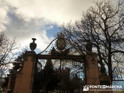 Destilería DYC y Ciudad de Segovia;mochilas diferentes;mochila para